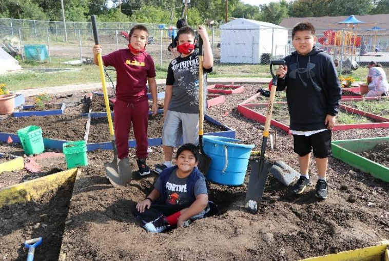 kids from Omaha Nation Public Schools in the Farm to School program called Ashita Thewathe